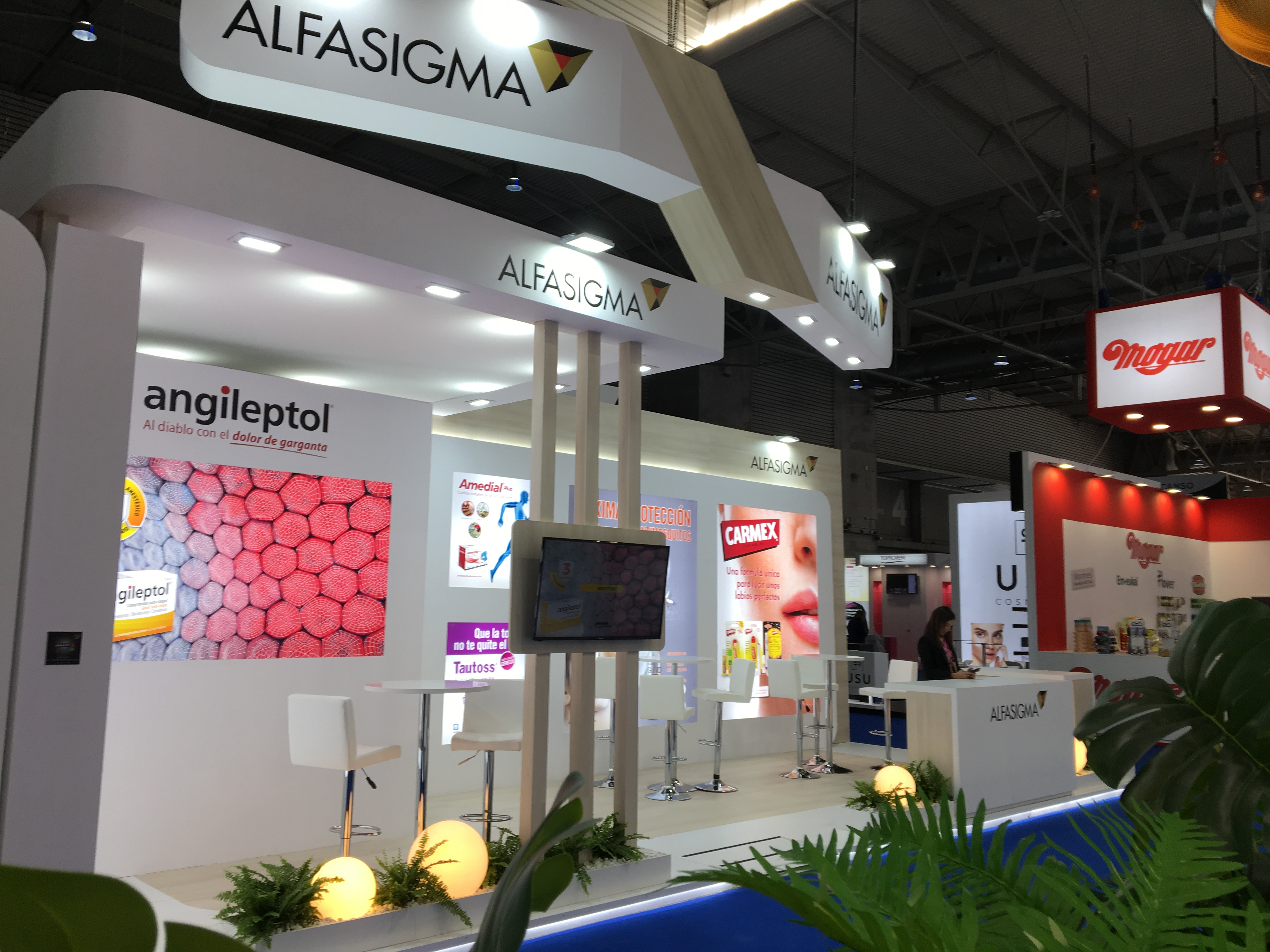 stand-alfasigma-feria-infarma-barcelona-2019-02